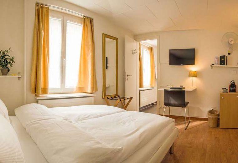 Doppelzimmer stattHotel