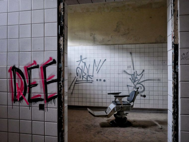 Die Heilanstalten von Beelitz sind ein beliebtes Fotomotiv, denn die verfallenden Räumlichkeiten sind äußerst gruselig.