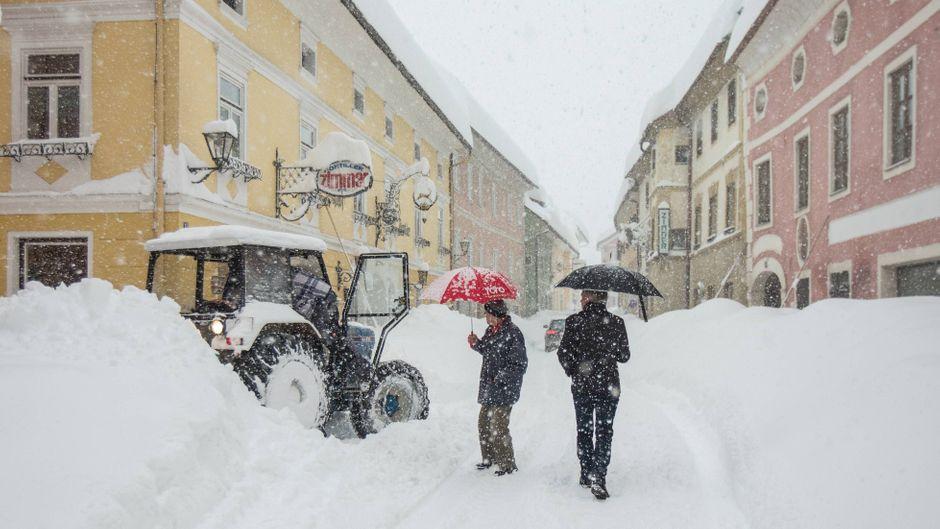 An vielen Orten in Österreich fiel in den letzten tagen unfassbar viel Schnee. (Symbolbild)