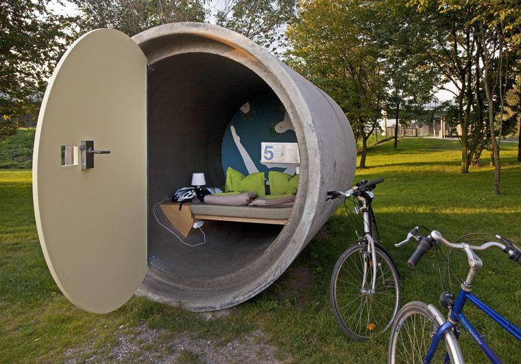 """Ab ins Rohr: Im """"dasparkhotel"""" im Bernepark im Ruhrgebiet schläfst du in Kanalrohren."""