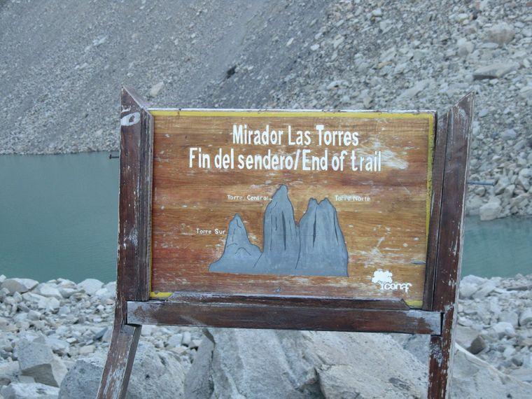 Schild der Gletscher im Nationalpark Torres del Paine in Patagonien in Chile