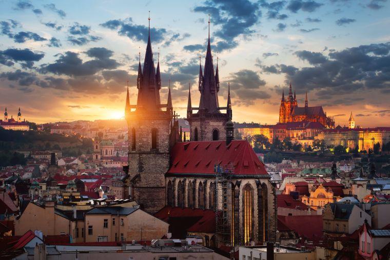 Die Teynkirche in der Prager Altstadt.