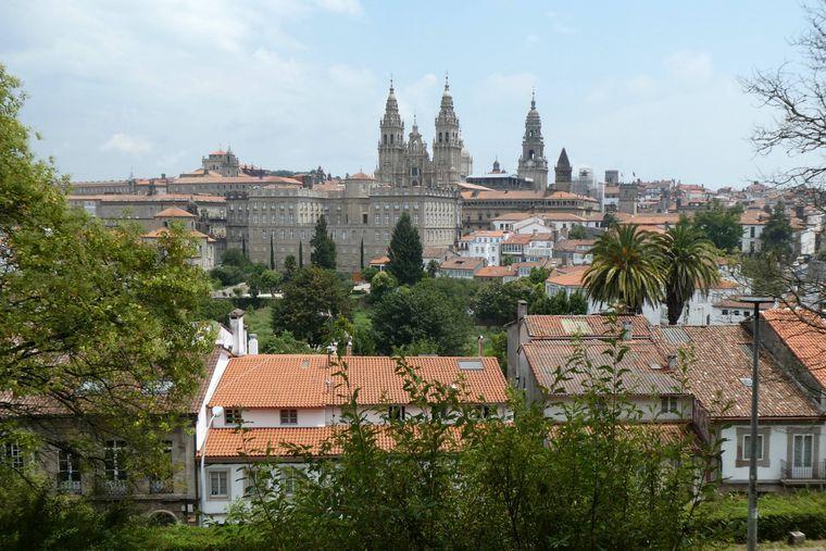 Berühmt und Anlaufstelle für Pilgerinnen und Pilgerer: Santiago de Compostela.