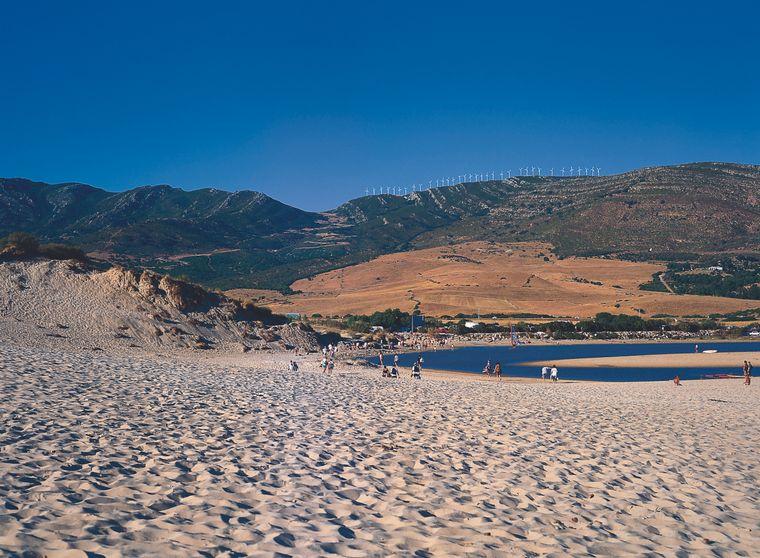 Rund um die südlichste Stadt des europäischen Festlandes befinden sich die schönsten Strände Andalusiens.