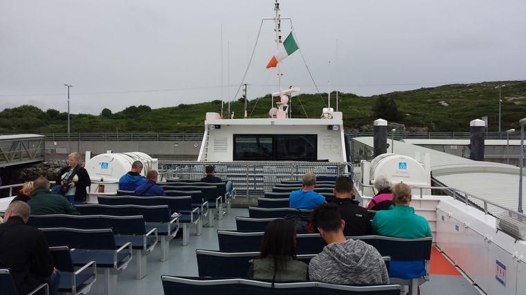 Fähre auf die Aran Islands, Irland.