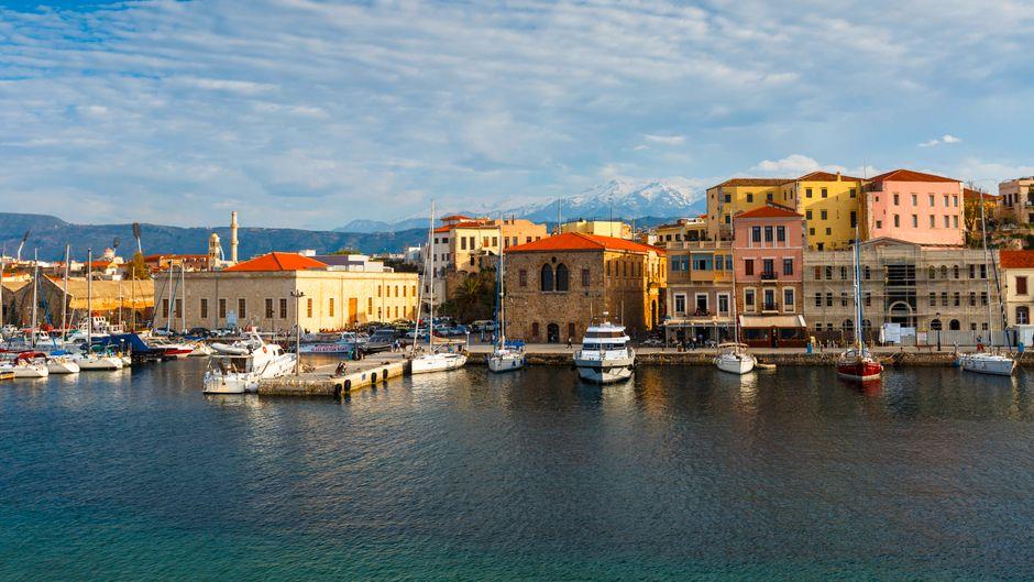 Alter venezianischer Hafen in Chania auf Kreta.