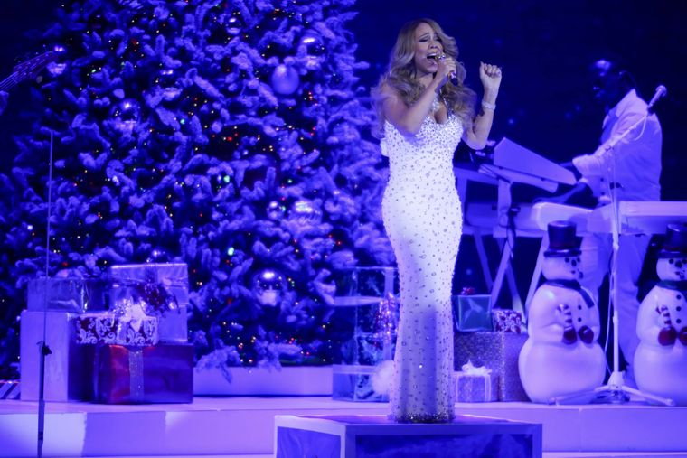 """Mariah Careys """"All I Want for Christmas Is You"""" darf in keiner Weihnachts-Playlist fehlen."""