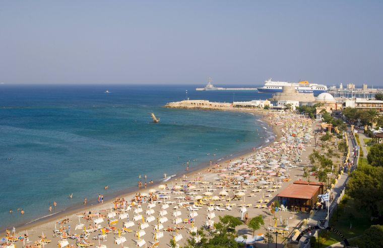 Luftbild vom Elli Beach in Rhodos-Stadt.