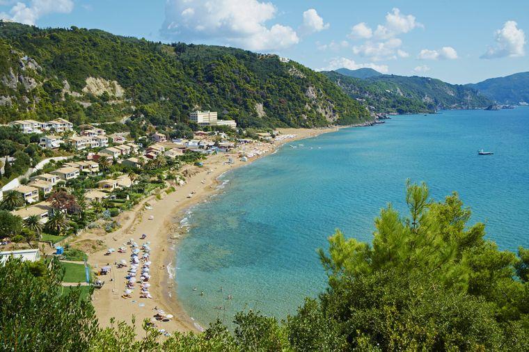 Myrtiotissa Beach auf Korfu – auch er zählt zu den schönsten der Insel.