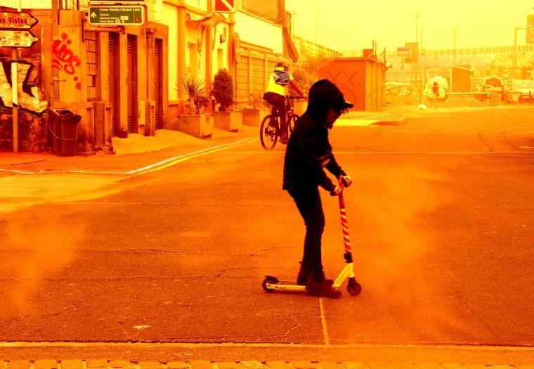 Die spanischen Behörden haben wegen des Sandsturms aus der Sahara den Luftraum über den Kanaren gesperrt.
