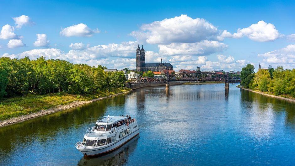 Stadt Magdeburg Fluss Schiff Dom