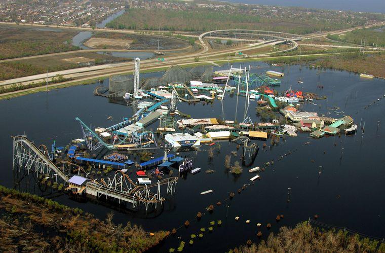 "Der Six Flags Amusement Park wurde durch Hurrikan ""Katrina"" überschwemmt."