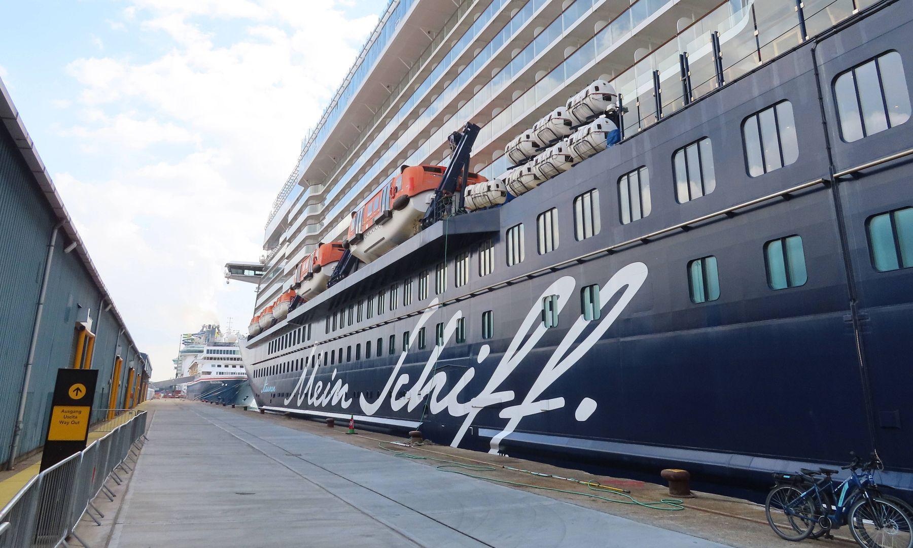 Mein Schiff Corona