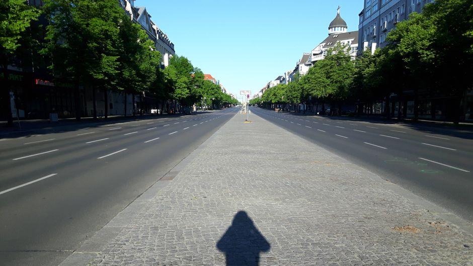 Der Kaiserdamm in Berlin – ohne Autos.
