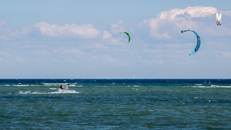 Kitesurfer in Pelzhaken, Neustadt in Holstein.