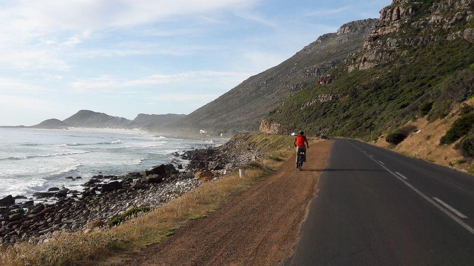 Die E-Biker sind auf der Kap-Halbinsel unterwegs