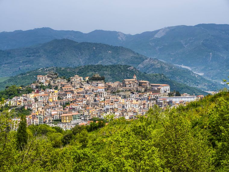 Im Bergdorf Castiglione di Sicilia stammen einige Häuser noch aus der Renaissance.