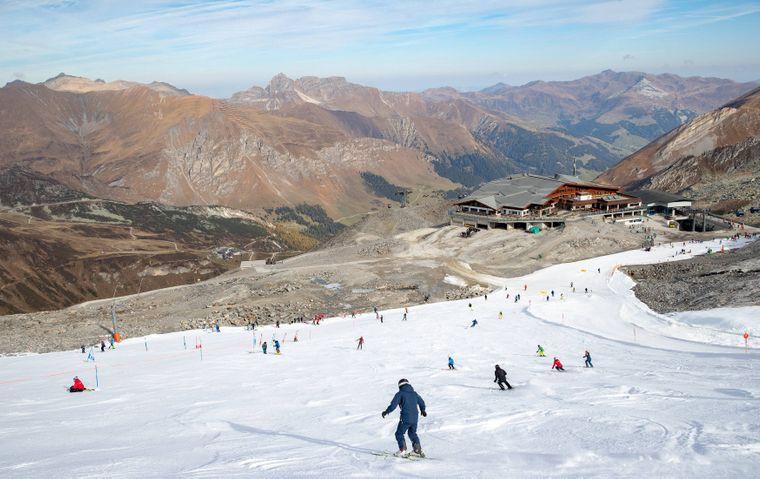 Auf 3250 Metern Höhe lässt der Hintertuxer Gletscher das Herz eines jeden Wintersportlers höherschlagen.