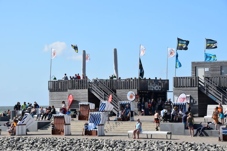 Chillen und Grillen: Das geht in den Sommermonaten jeden Freitag an der 360gradbar auf der Watt'n Insel.