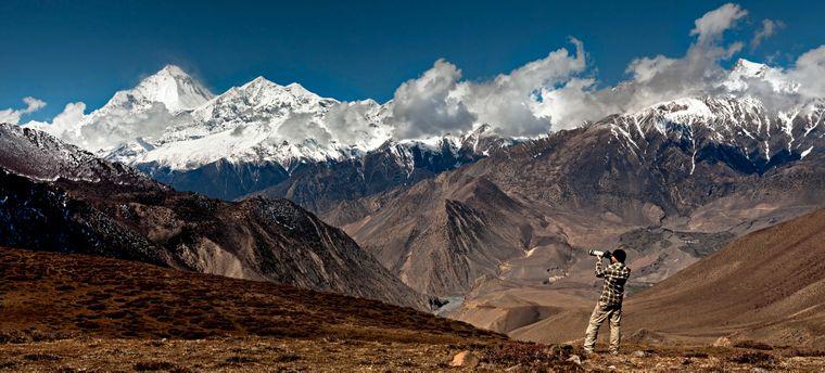 reisereporter Nils am Dhaulagiri in Nepal.