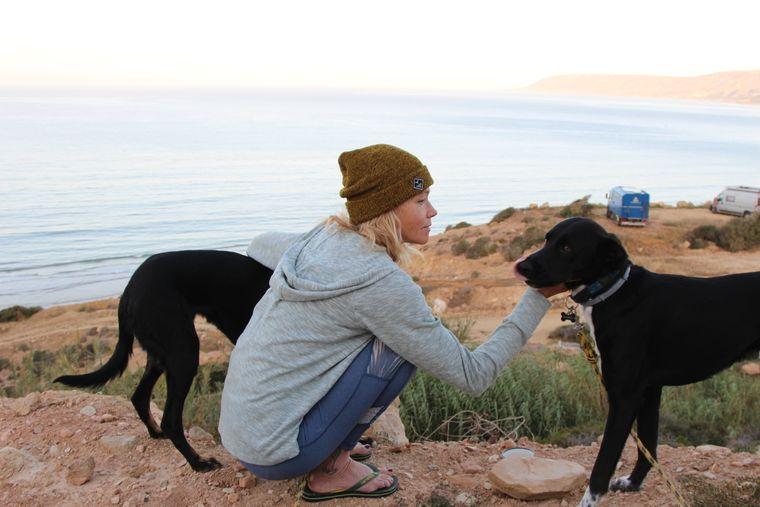 Alexandra und ihre Hunde.