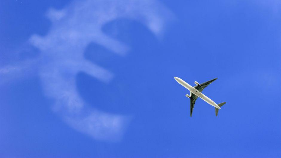 Die Flugpreise steigen ab dem 1. April. (Symbolbild)