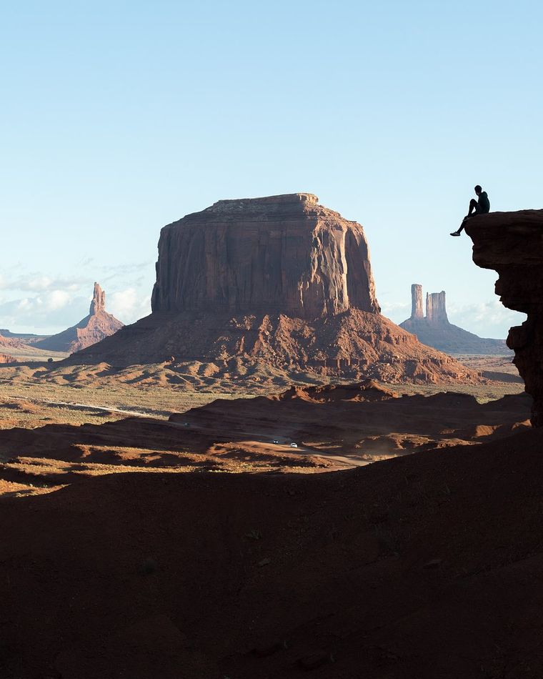"""Monument Valley Sunrise"" von @joeshellyy aus Großbritannien. Ort: Monument Valley, USA."