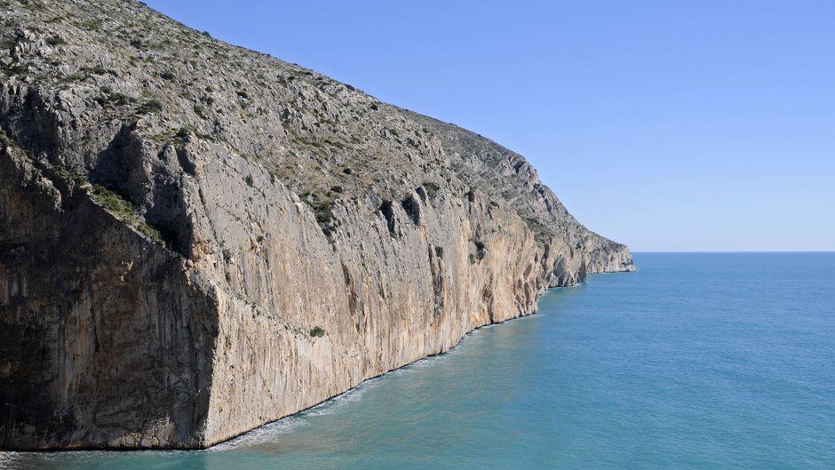 Steilküste an der Costa Blanca. Ein Tourist starb beim Selfie-Machen.