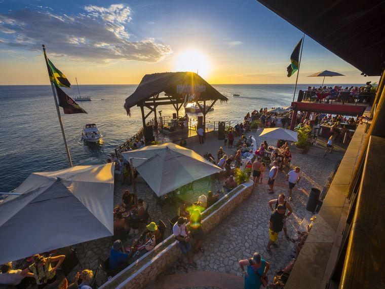 Am Strand von Negril in Jamaika geht es während des Spring Breaks etwas entspannter zu.