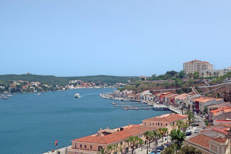 Spaniens Sydney: Auf Menorca erschuf die Natur das zweitgrößte natürliche Hafenbecken der Welt.