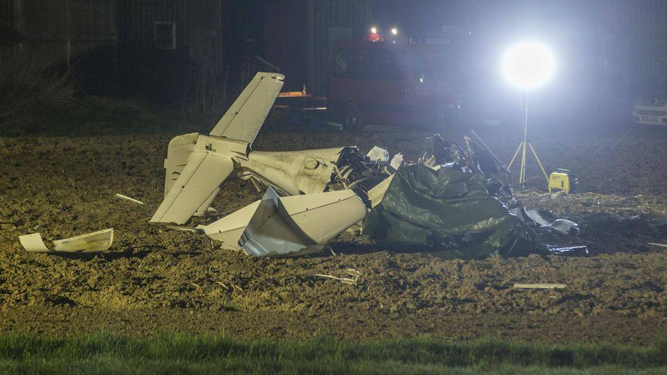 Flugzeugwrack nach einem Zusammenstoß bei Schwäbisch Hall.