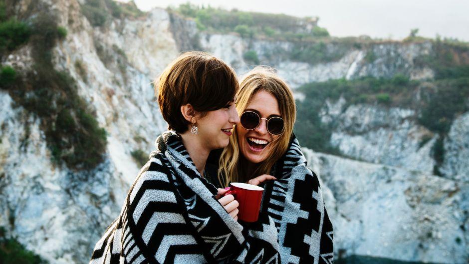 Egal, ob zu zweit oder allein – lesbische und schwule Reisende berichten auf ihren Blogs von ihren Reiseerfahrungen und besonderen Momenten. (Symbolbild)