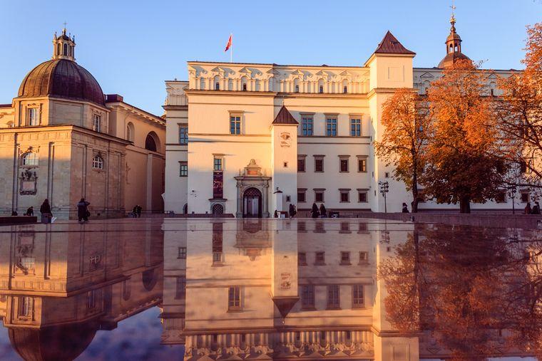 Am Ende der Hauptstraße der Altstadt von Vilnius, der Pilies gatve, steht der Großfürstenpalast.