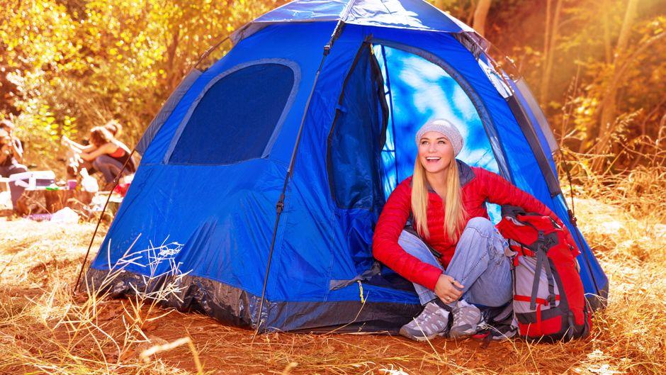 Im Wald, im Garten oder auf dem Balkon: Camping ist in jedem Fall ein kleines Abenteuer.