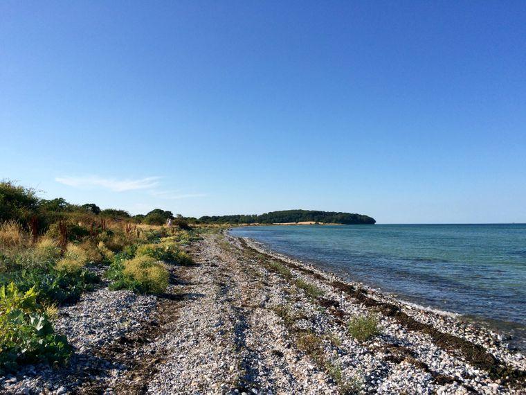 Unberührt, fast menschenleer – und  die Ostsee hatte 20 Grad. Es muss ja nicht immer feiner Sandstrand sein.