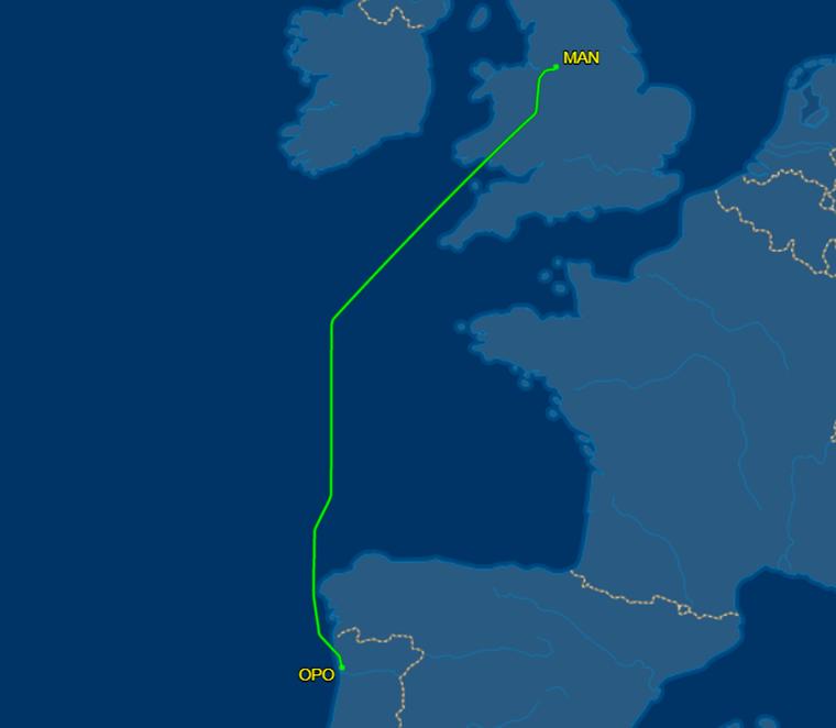 Die Trackingdaten der Maschine zeigen: Statt in Madeira landeten die Passagiere nach gut zwei Stunden Flug in Porto.