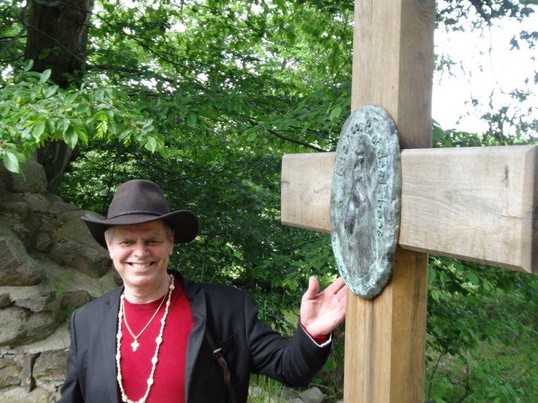 Pastor Eckhart Hübener hat den Mecklenburger Kapellenweg entwickelt und bietet Führungen an.