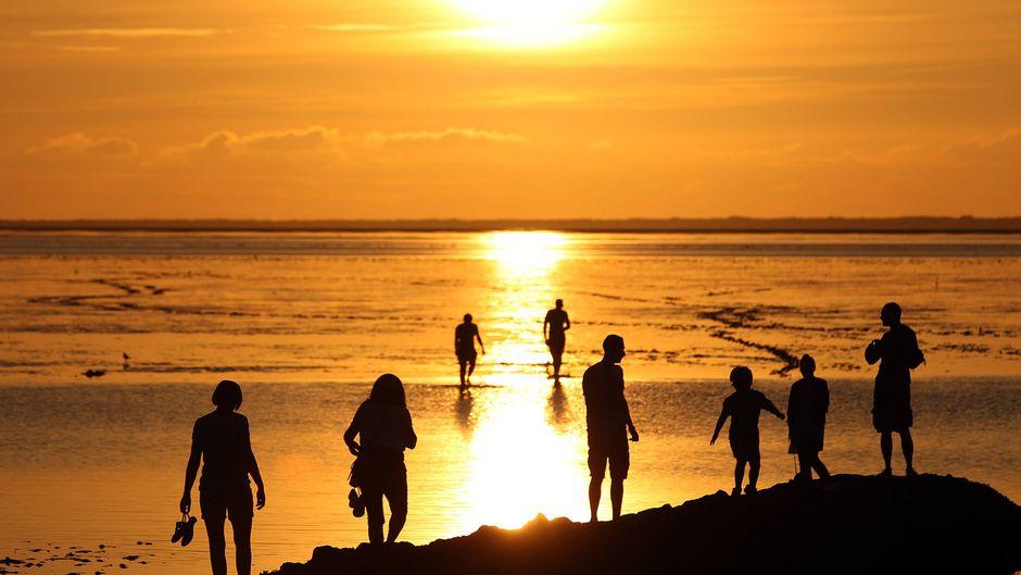Sonnenuntergang an der Nordseeküste.
