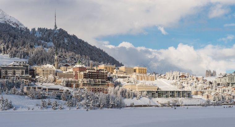 Im Oberengadin: Der Wintersportort St. Moritz ist Ziel des Glacier-Express.