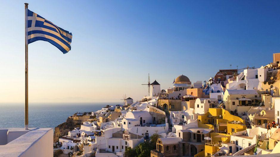 Verträumte Dörfer, antike Städte und kristallblaues Wasser: Santorin gilt für viele als das Reiseziel schlechthin.