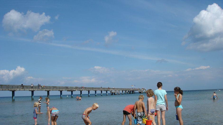 Sommer, Sonne, Sonnenschein! Klar, zu einem Trip nach Boltenhagen gehört ein Besuch am Strand.