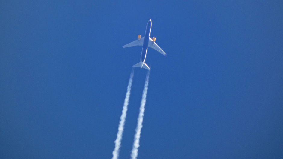 Airlines weltweit haben mit einem Trick die Rückerstattung der Flugkosten hinausgezögert. (Symbolbild)