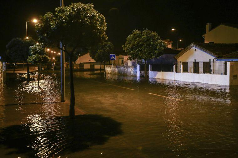 """In der Region Aveiro sorgte """"Leslie"""" für überschwemmte Straßen."""