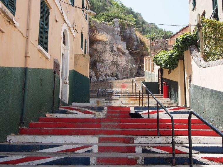Trotz der Entfernung bleiben die Einwohner Gibraltars der Regierung in London eng verbunden – und zeigen dies auch gern in Form des Union Jacks, der britischen Flagge.