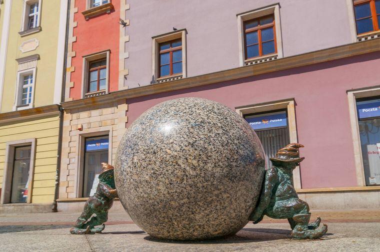 Die kleinen Zwerge sind in ganz Breslau verteilt.