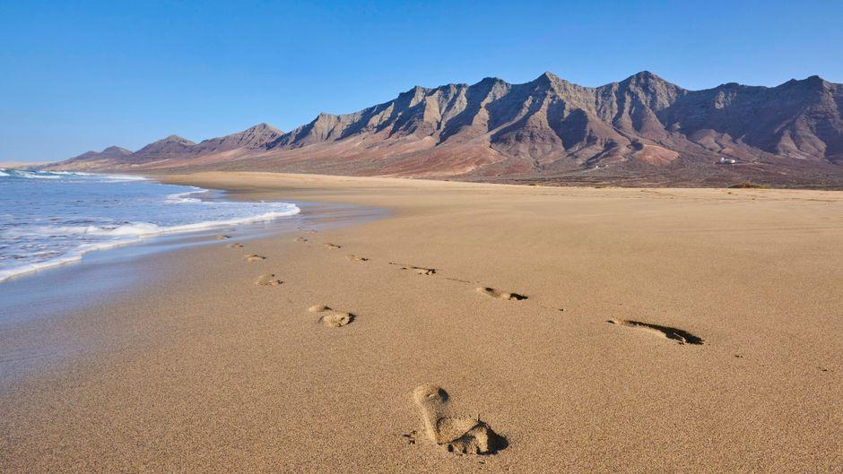 Der weite Strand Playa de Cofete auf Fuerteventura.