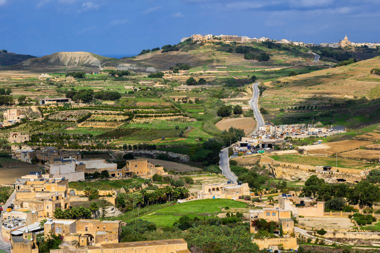 Aus der Luft kann man die vielen Grünflächen auf Malta besonders gut erkennen.
