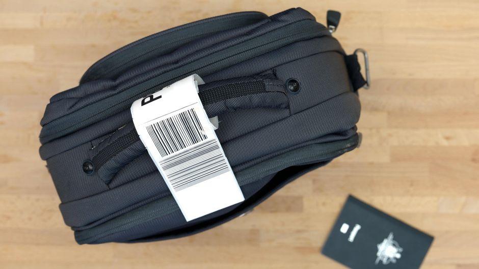 Gepäckstück mit Etikett.