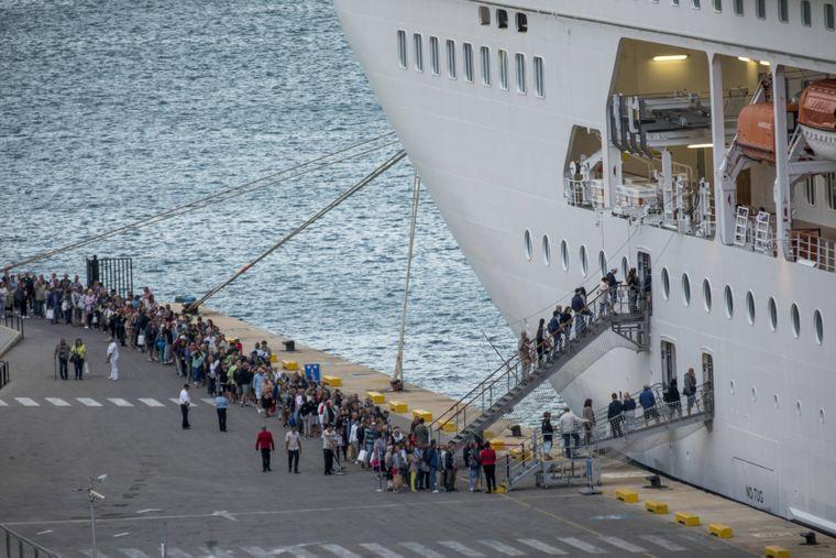 Boarding eines Kreuzfahrtschiffes.