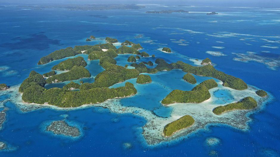 Eine Luftaufnahme der Rock Islands von Palau.